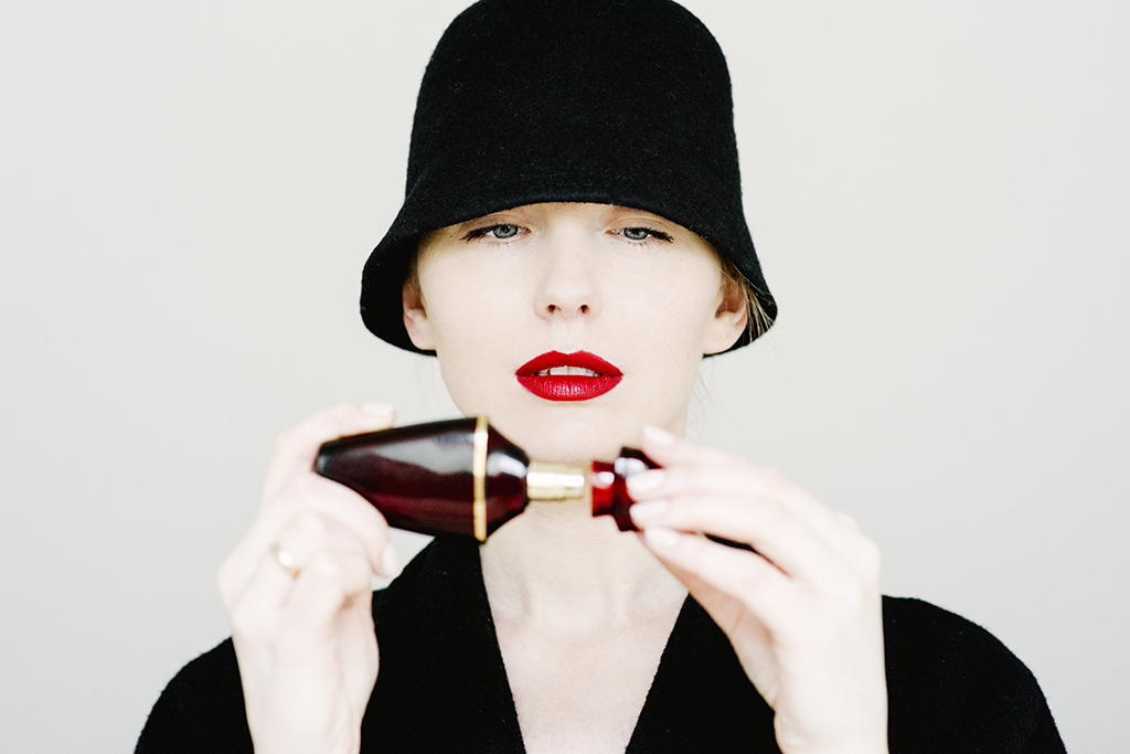 Lina Aiduke photography perfume 038